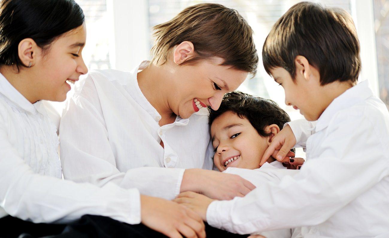 Orgulho Gay: Como tratar o tema entre pais e filhos