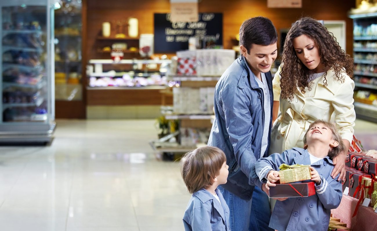 Family-in-Gift-Shop1