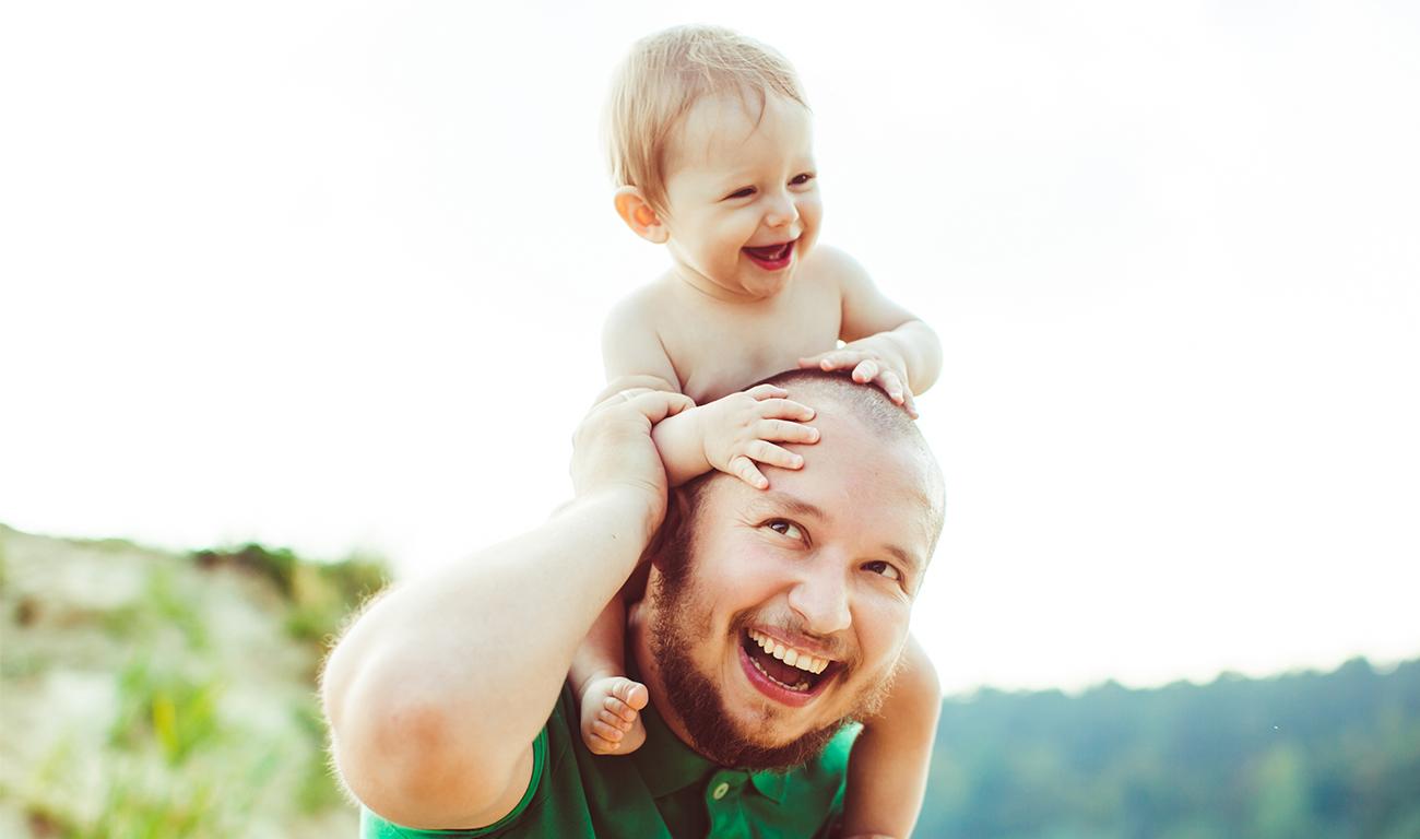 O estreitamento da relação entre o pai e o bebê.